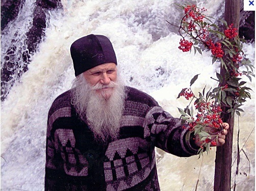 А схиархимандрит о.Димитрий (Шевкенык) - объявил старт на Пасху -2004.