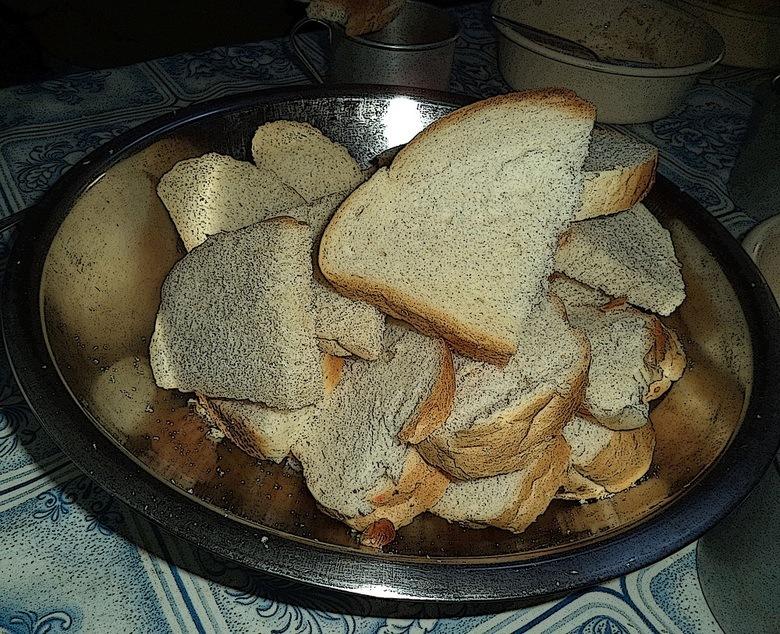 Всё монастырсккое - вкусно, а особенно - хлеб