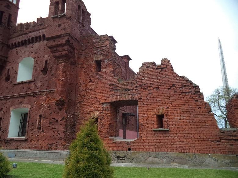 Руины-памятники