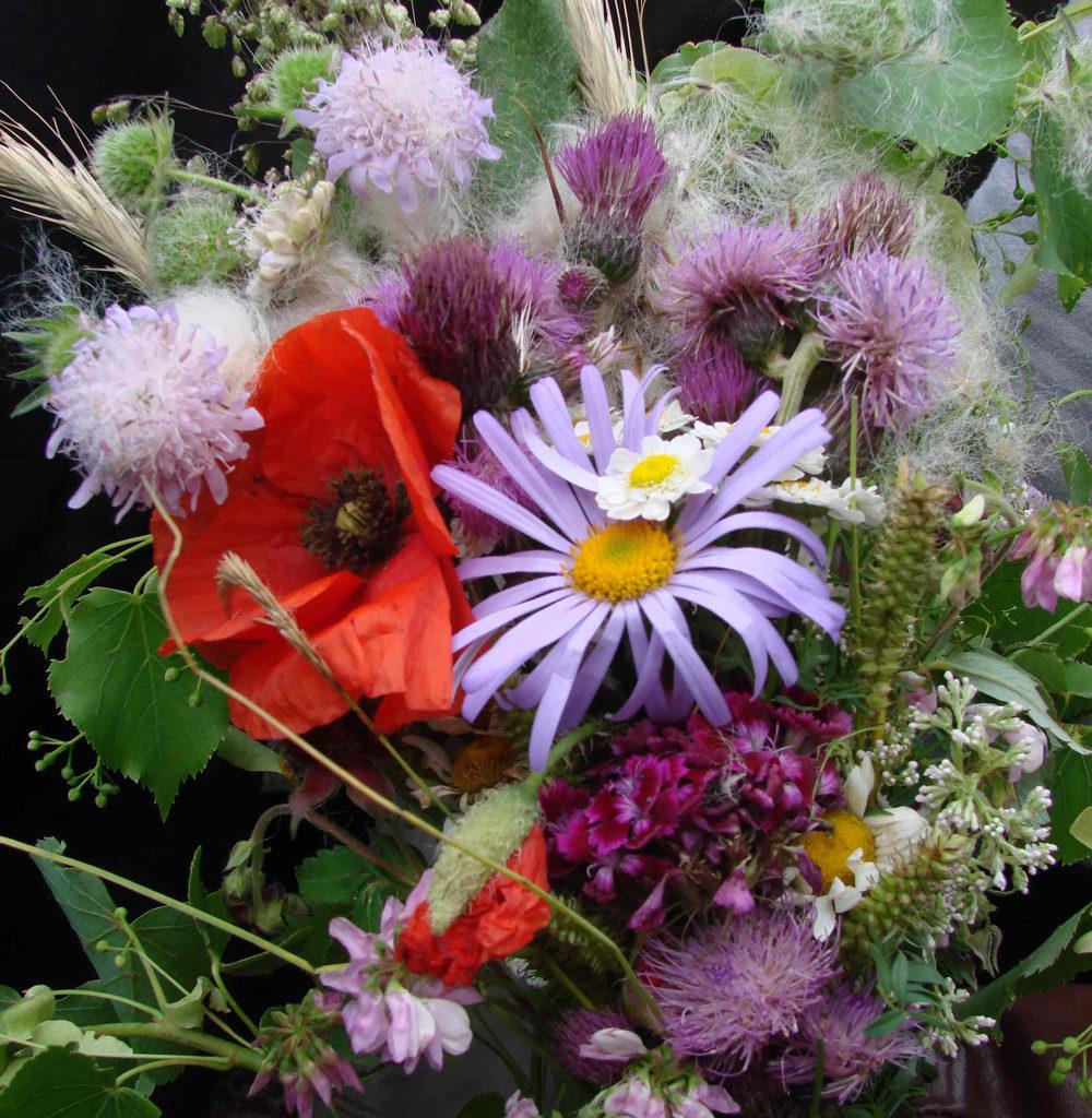 Цветы и травы - украшение праздника