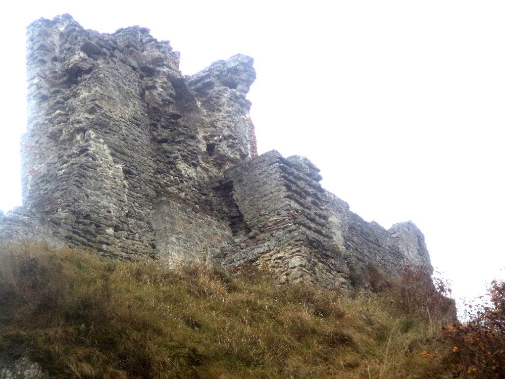 Экскурсия к руинам древней крепости
