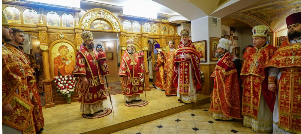 11 апреля, 15 лет назад, в нашем храме состоялась первая Божественная Литургия (дополнено).
